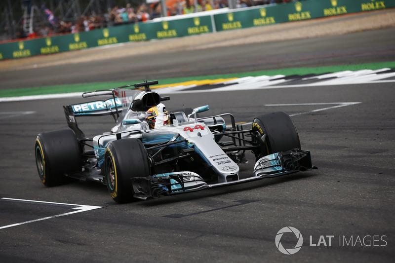 Lewis Hamilton, Mercedes AMG F1 W08, celebrates victory at the finish