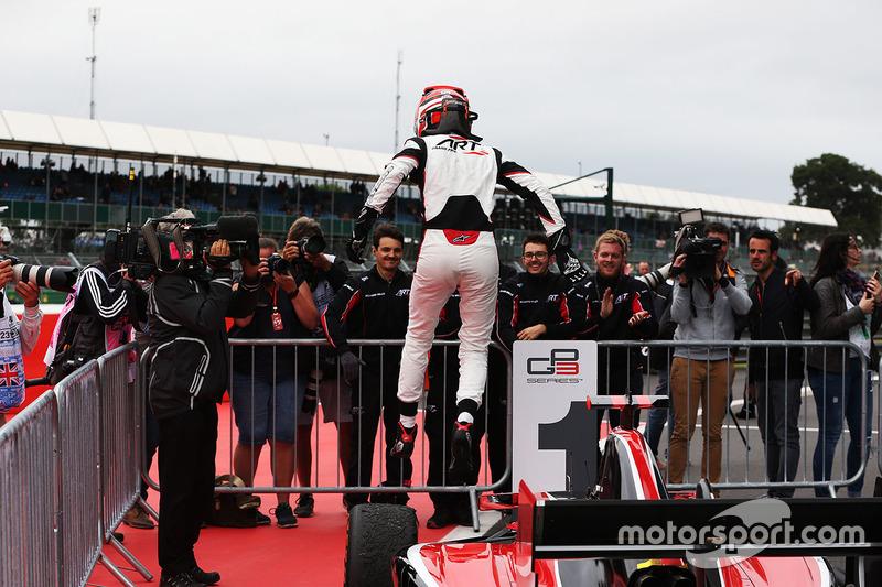 Ganador de la carrera George Russell, ART Grand Prix