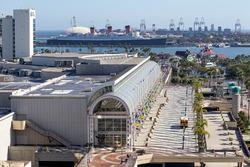 Das Long Beach Convention Center und die Queen Mary