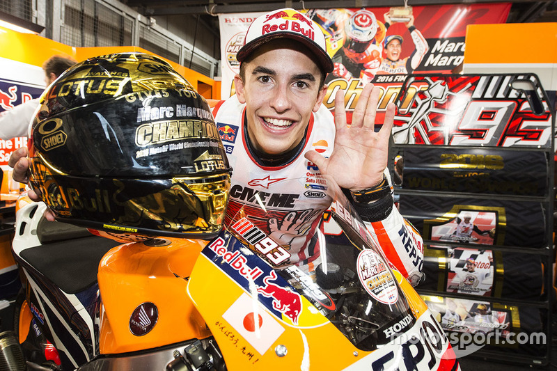 Race winner Marc Marquez, Repsol Honda Team celebrates with his team