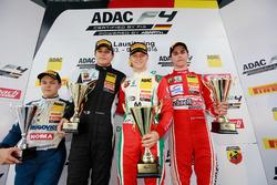 Podium: Bester Rookie Felipe Drugovich, Neuhauser Racing ; 2. Kami Laliberté, Van Amersfoort Racing;