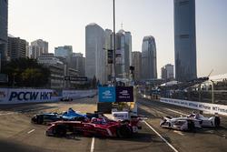 Sébastien Buemi, Renault e.Dams leads Jerome D'Ambrosio, Dragon Racing and Neel Jani, Dragon Racing