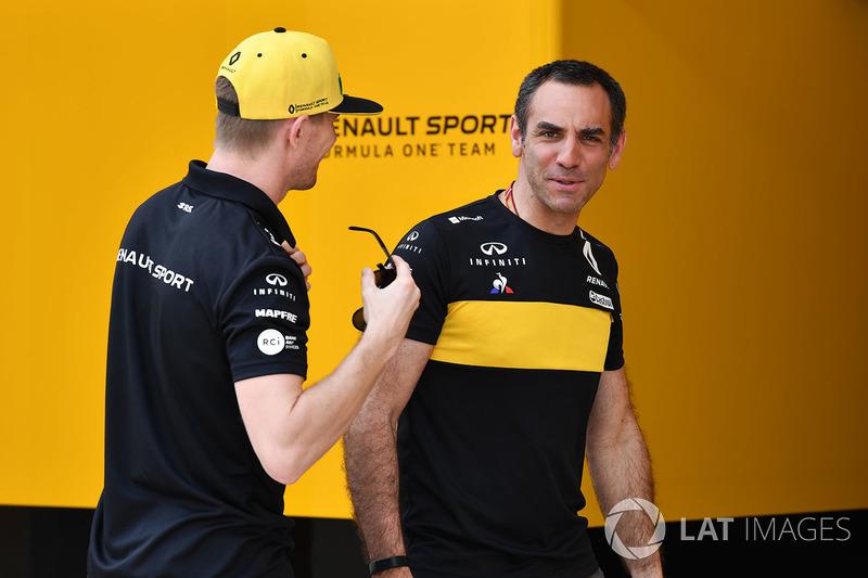 Nico Hulkenberg, Renault Sport F1 Team and Cyril Abiteboul, Renault Sport F1 Managing Director