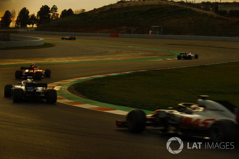 Kevin Magnussen, Haas F1 Team VF-18, Lance Stroll, Williams FW41, Sebastian Vettel, Ferrari SF71H, Marcus Ericsson, Sauber C37