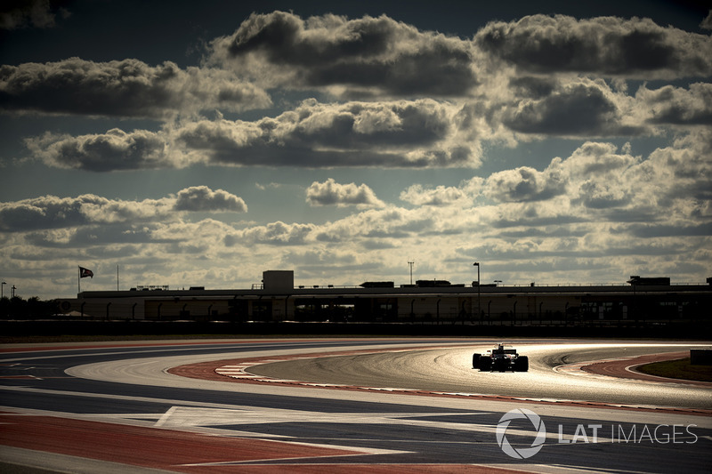 20: Stoffel Vandoorne, McLaren MCL32 (inc 30-place grid penalty)