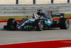 Pole: Lewis Hamilton, Mercedes AMG F1 W08