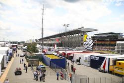 Le paddock du Mans