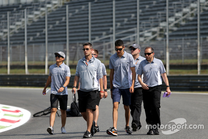 Rio Haryanto, Manor Racing and Esteban Ocon, Manor Racing