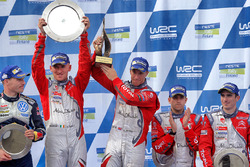 Ganadores Kris Meeke, Paul Nagle, Citroën DS3 WRC, Citroën World Rally Team, tercer lugar Craig Bree