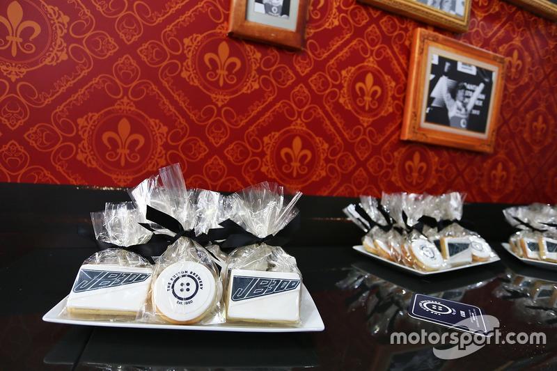 إحتفالات جنسن باتون، مكلارين هوندا بسباقه ال300 فى الفورمولا1
