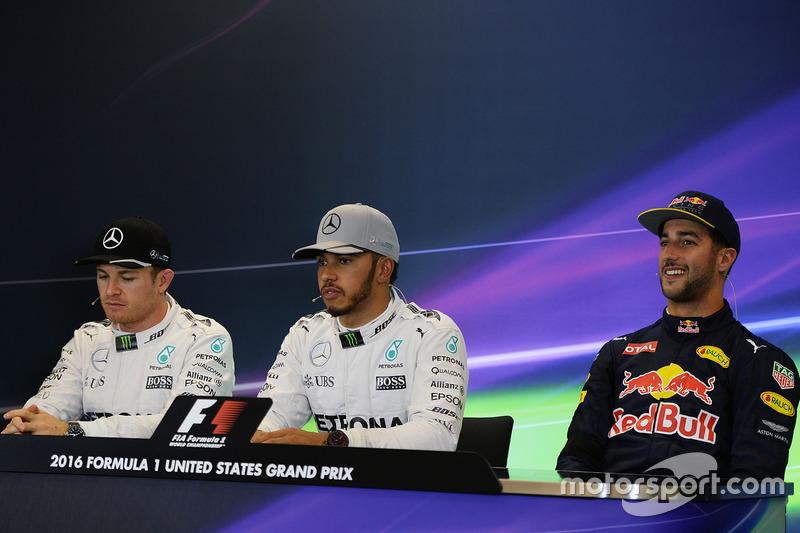 Polesitter Lewis Hamilton, Mercedes AMG F1; 2. Nico Rosberg, Mercedes AMG F1; 3. Daniel Ricciardo, R
