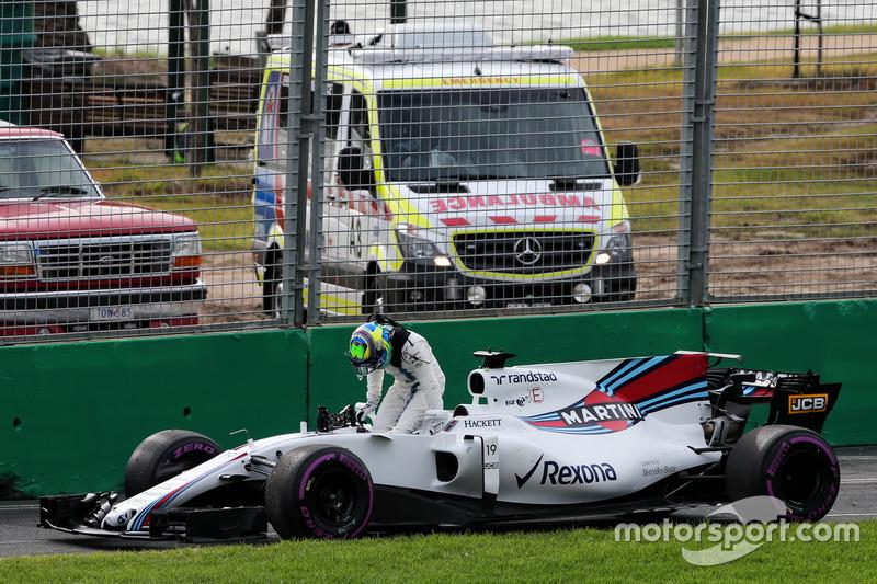 Феліпе Масса, Williams, зупинився на трасі
