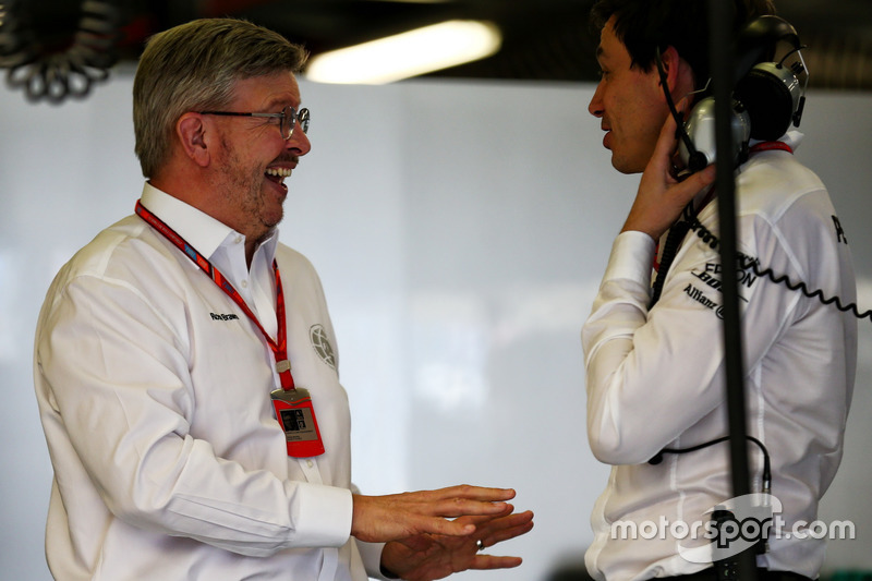 Спортивний директор Формули 1 Росс Браун, керівник Mercedes AMG F1 Тото Вольфф