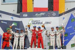 GTE-Pro-Podium: 1. James Calado, Alessandro Pier Guidi, AF Corse; 2. Richard Lietz, Frédéric Makowiecki, Porsche Team; 3. Michael Christensen, Kevin Estre, Porsche Team