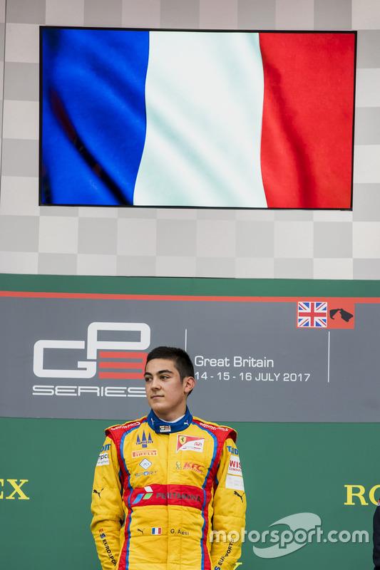 Podio:  Ganador de la carrera Giuliano Alesi, Trident