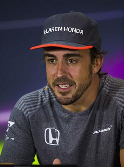 Fernando Alonso, McLaren, en la Conferencia de prensa