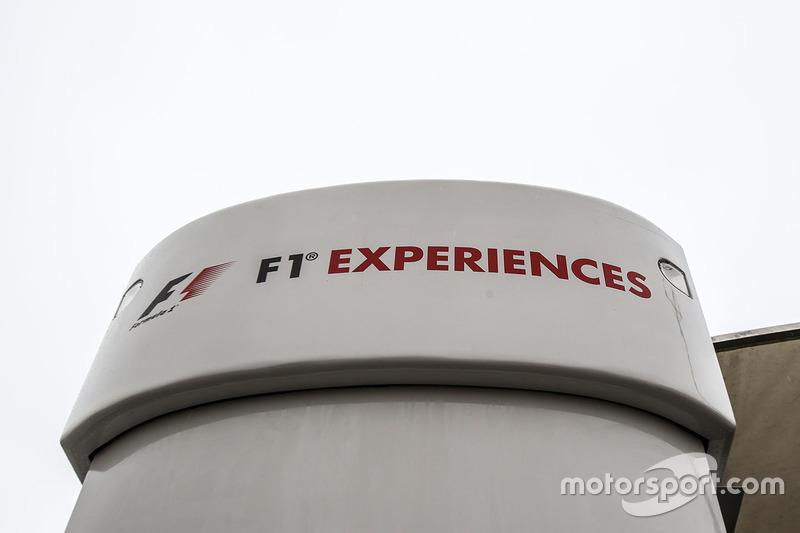 F1 trucks