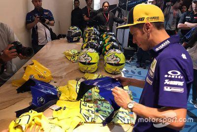 Visita in Indonesia di Rossi e Viñales