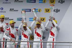 Podyum: 3. #9 Audi Sport Team WRT, Audi R8 LMS: Nico Müller, Marcel Fässler, Robin Frijns, René Rast