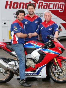 Guy Martin, Honda Racing mit Neil Tuxworth, Teammanager