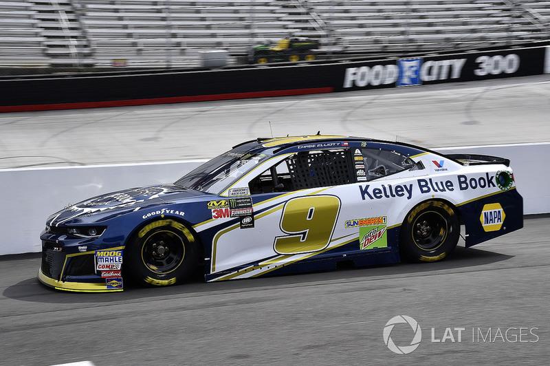 2. Chase Elliott, Hendrick Motorsports, Chevrolet Camaro Kelley Blue Book