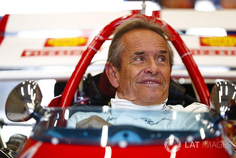 La leyenda de las carreras belgas Jacky Ickx demuestra un Ferrari 312B