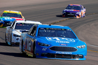 Ryan Blaney, Team Penske, Ford Fusion PPG and Brad Keselowski, Team Penske, Ford Fusion Miller Lite