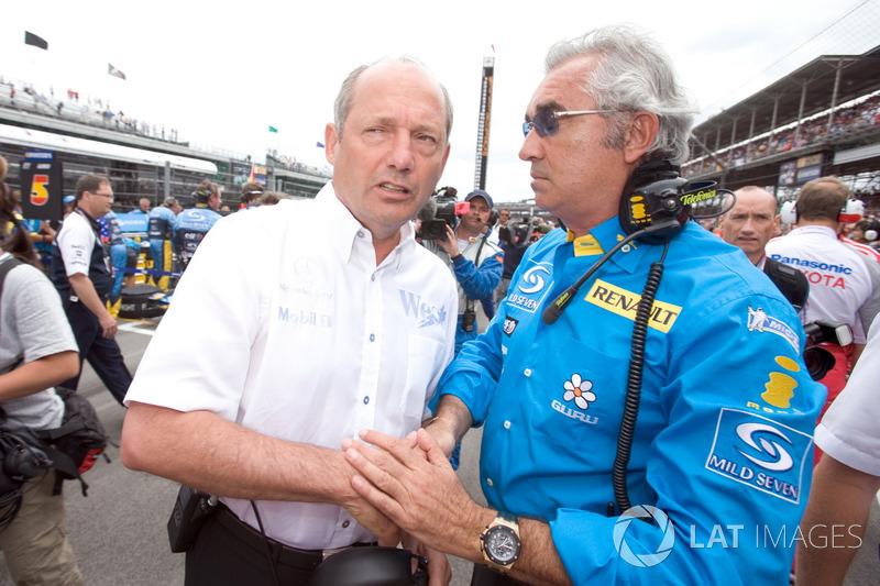 Ferrari тогда еще руководил Жан Тодт, а в McLaren и Renault рулили Рон Деннис и Флавио Бриаторе. Признайтесь, у вас сейчас слезы на глазах