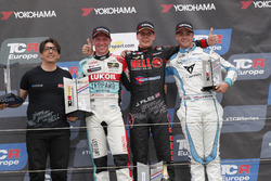 Podium: Race winner Josh Files, Hell Energy Racing with KCMG Honda Civic Type R TCR, second place Jaap van Lagen, Leopard Lukoil Team Audi RS3 LMS TCR, third place Danny Kroes, PCR Sport Cupra TCR