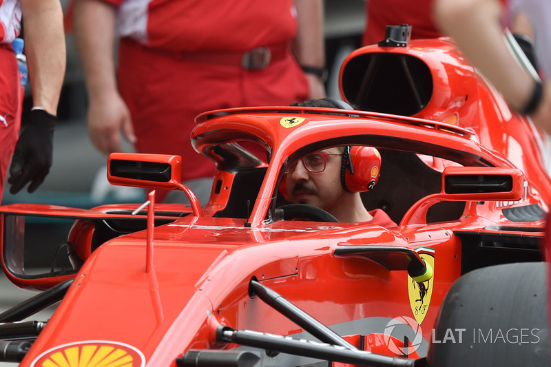 Mécanicien dans la Ferrari SF71H