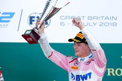 Podium: race winner Maximilian Gunther, BWT Arden