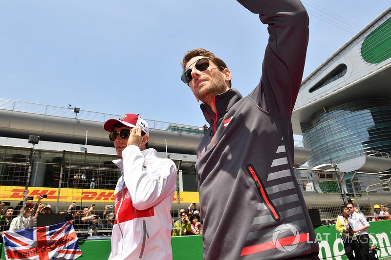 Charles Leclerc, Sauber, Romain Grosjean, Haas F1
