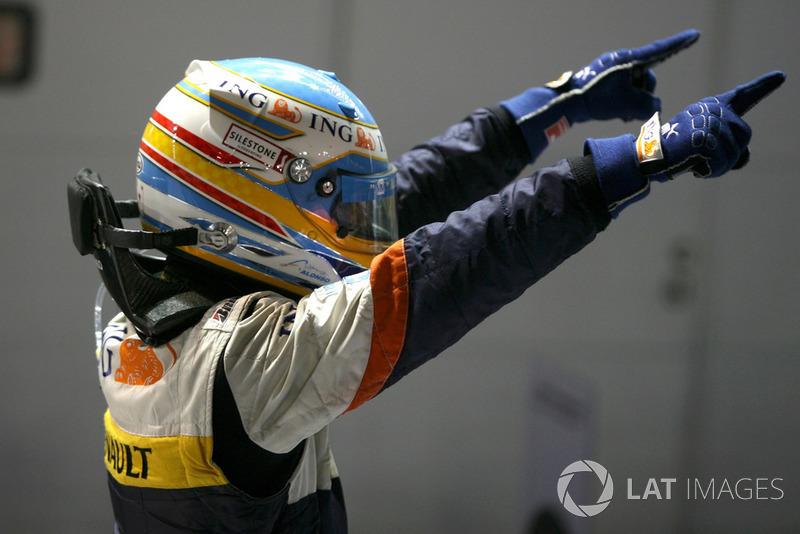 Испанец радовался победе, словно это был чемпионский титул – для него это был первый успех после возвращения в Renault, получившегося далеким от триумфального