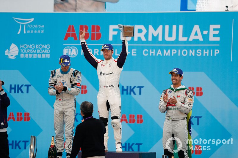 Race winner Sam Bird, Envision Virgin Racing celebrates victory on the podium alongside Edoardo Mortara, Venturi Formula E, 2nd position, Lucas Di Grassi, Audi Sport ABT Schaeffler, 3rd position