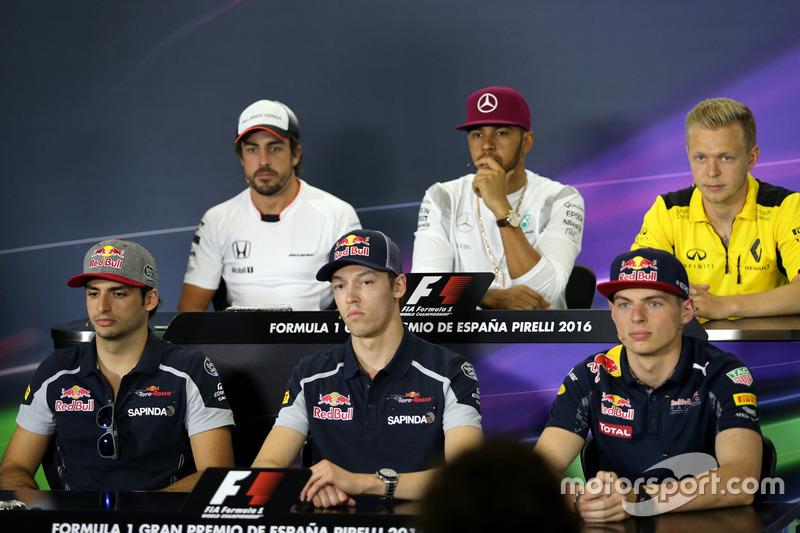 Carlos Sainz Jr., Scuderia Toro Rosso, Daniil Kvyat, Scuderia Toro Rosso e Max Verstappen, Red Bull Racing