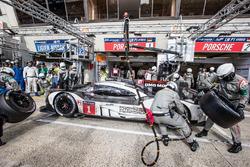 Pit stop for #1 Porsche Team Porsche 919 Hybrid: Timo Bernhard, Mark Webber, Brendon Hartley