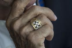 Emerson Fittipaldi embajador del GP de México anillo