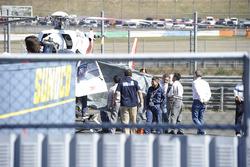 Хорхе Лоренсо, Yamaha Factory Racing, забирают в госпиталь после аварии