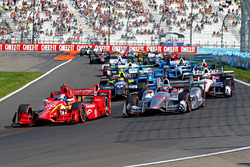 Старт. лідирує Скотт Діксон, Chip Ganassi Racing Chevrolet