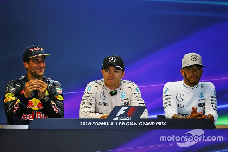 The post race FIA Press Conference (L to R): second place Daniel Ricciardo, Red Bull Racing; Race wi