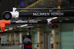 McLaren pit gantry and light