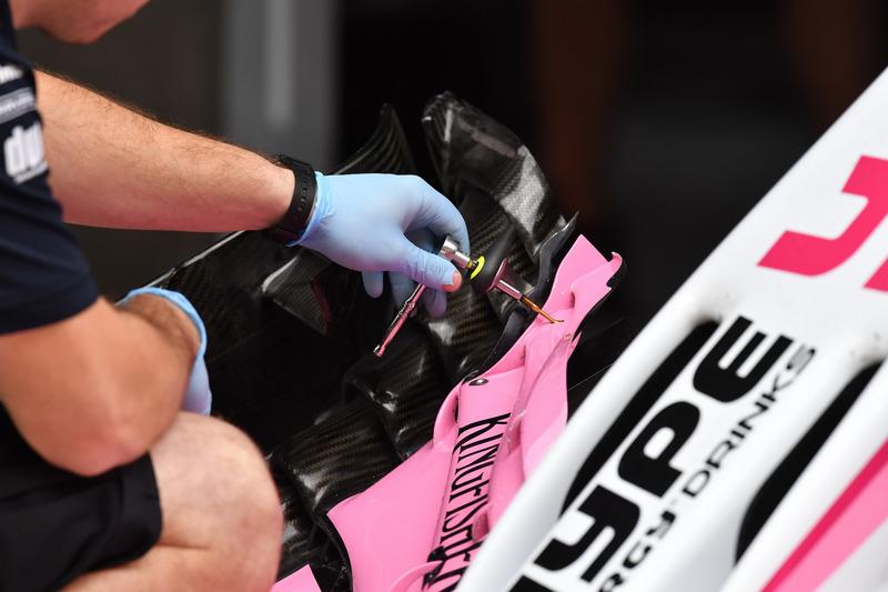 Force India VJM11 : aileron avant