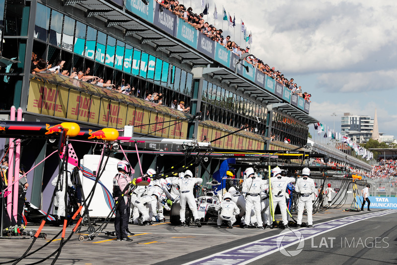 Lance Stroll, Williams FW41 Mercedes, makes a pit stop