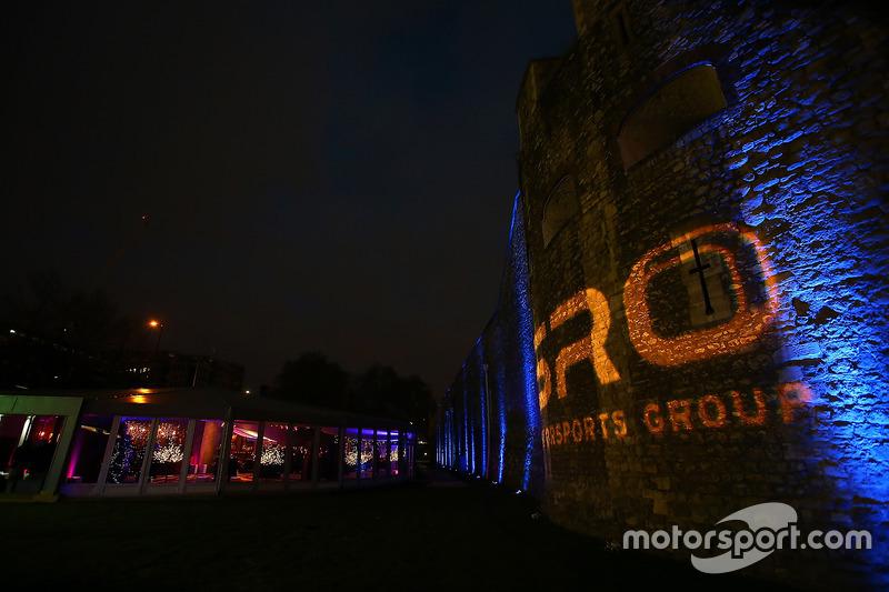 Torre de Londres para noche de SRO campeones premiación 2016