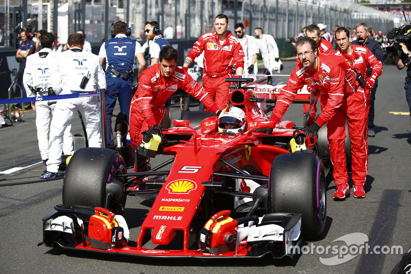 Sebastian Vettel, Ferrari SF70H, arrives on the grid