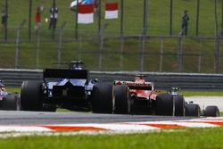 Себастьян Феттель, Ferrari SF70H, Маркус Ерікссон, Sauber C36