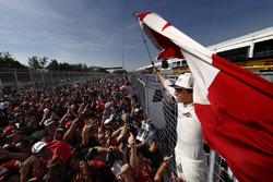 Lance Stroll, Williams, celebra sus primeros puntos con