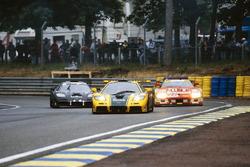 #51 Harrods McLaren F1 GTR: Andy Wallace, Derek Bell, Justin Bell