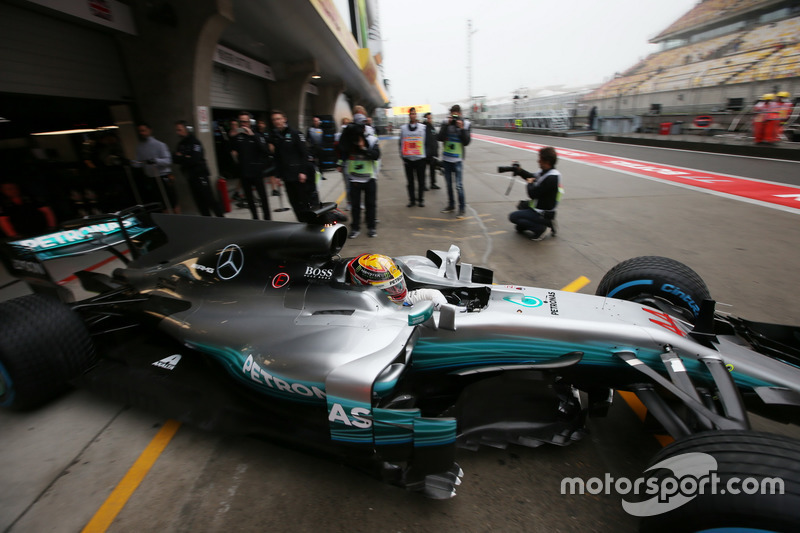 Lewis Hamilton, Mercedes AMG F1 W08, leaves the garage