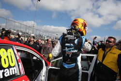 Ganador, Tom Ingram, Speedworks Motorsport Toyota Avensis